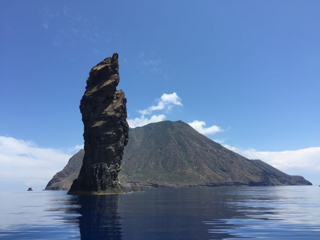 TREKKING AND BEACH HOLIDAY ON THE AEOLIAN ISLANDS